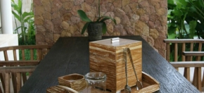 Wood-grained Tray Ensemble